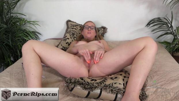 atkhairy-17-10-22-skye-avery-masturbation.jpg