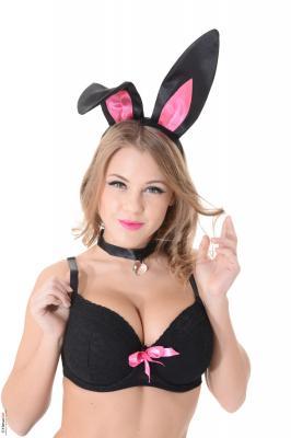 Viola - Bunny Love b6rug4ddjx.jpg