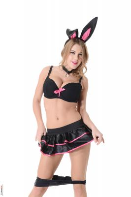Viola-Bunny-Love--u6rug4kiqi.jpg