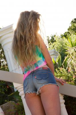 Holly Jade - California Surfing 26r2dlwx4m.jpg