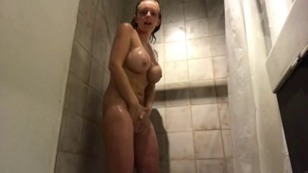 vickivalkyrie-17-10-21-a-sensual-shower.png