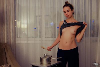 Ariel Rebel - Hotel Room Cooking  u6r2fg6hxn.jpg