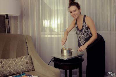 Ariel Rebel - Hotel Room Cooking