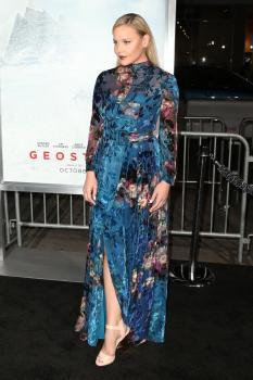 Abbie Cornish  'Geostorm' Premiere in LA 3