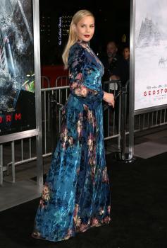 Abbie Cornish  'Geostorm' Premiere in LA 12