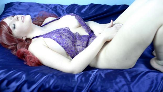 vickivalkyrie-17-09-11-sensual-body-worship.jpg